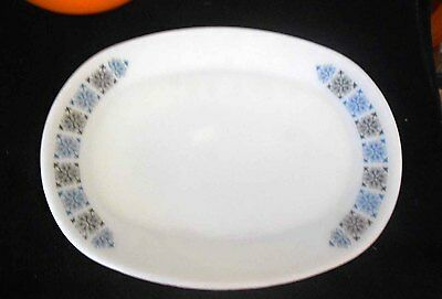 Vintage Pyrex, Milk Glass JAJ 'Chelsea' platters/ excellent condition.
