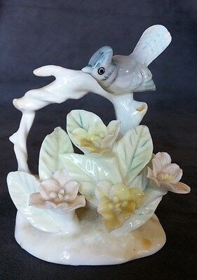 Vintage BLUE JAY #6542 BIRD Figurine BRANCH FLOWERS Ceramic PASTEL COLORS