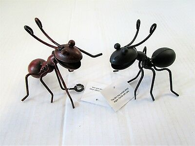 Pack of 2 Metal Ant Wall Decorations - Home Decoration & Garden Ornament