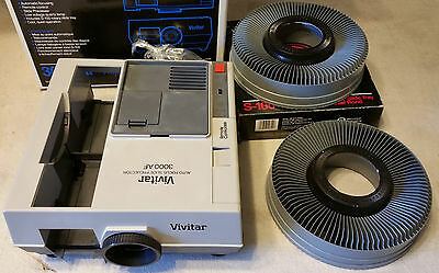 Vivitar 3000AF Slide Projector With Wired Remote  2 Trays Included