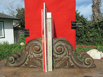 A1294 Vtg Antique Pair of Victorain Hand Carved Wood Corbels Brackets Bookends