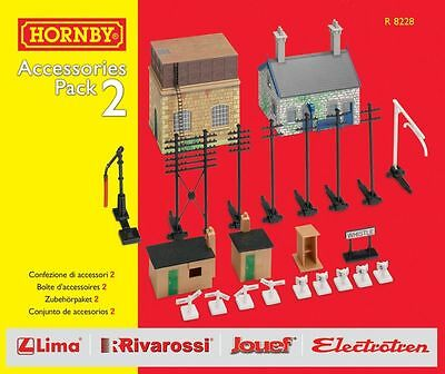 R8228 Hornby TrakMat Accessories Track Pack 2 OO Gauge Water Tower New & Boxed