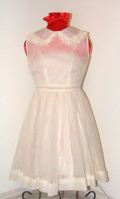 Vintage 1950s Beautiful Girls Dress in size 6/7