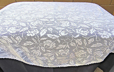 Vintage Filet Lace Tablceltoh 70 Rd Roses White Cotton Machine Made