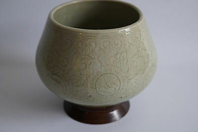 Antique Thai Celadon Crackle porcelain Pottery Vase or bowl with wood stand