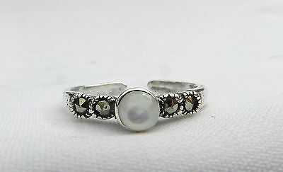 Sterling Silver (925) Adjustable  White  Stone Toe Ring  !!   Brand  New !!