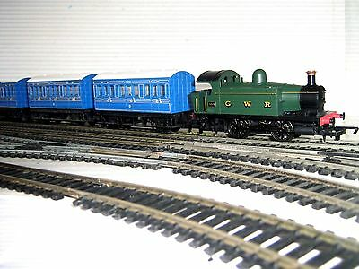 Hornby Train Set - Gwr Locomotive, Passenger & Goods  Oo Double Circuit & Siding
