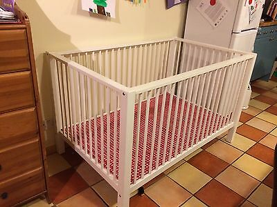 LARGE Solid Wooden Playpen with 2 Play Mats Suitable For Twins