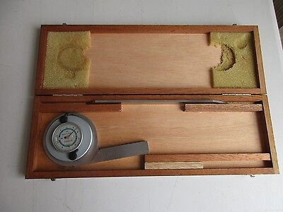 Brown & Sharpe Universal Bevel Protractor No. 497 With Wooden Case