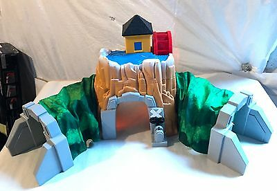 Fisher Price Geotrax Rocky Falls Tunnel with Sounds & Light Great Condition