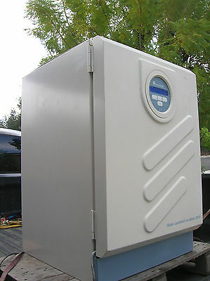 Forma Scientific 3250 Water Jacketed Co2 Incubator