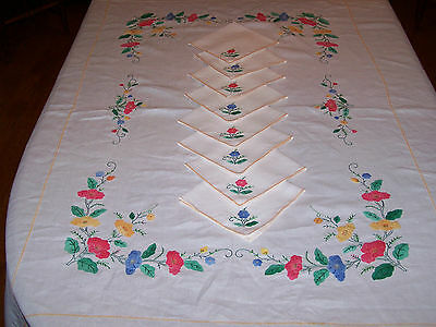 "95"" Vintage Hand Appliqued Tablecloth, Floral Poppy Motif, 8 Napkins, Gorgeous!"