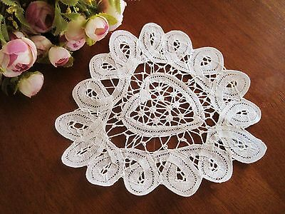 Relist Hot Sale @ Elegant Hand Batten Lace Cotton Heart Shape White Doily