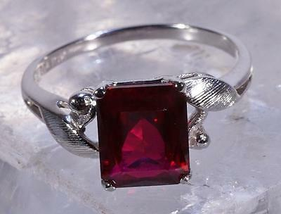 Vintage Emerald Shaped Ruby 10k White Gold  Ring Size 6