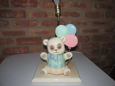 ADORABLE CHILDS CERAMIC  NURSERY TABLE LAMP BEAR HOLDING BALLOONS 60's Kitsch