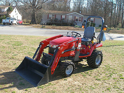 2016  Massey Ferguson Gc 1715  4 X 4 Loader Tractor Only 43 Hours