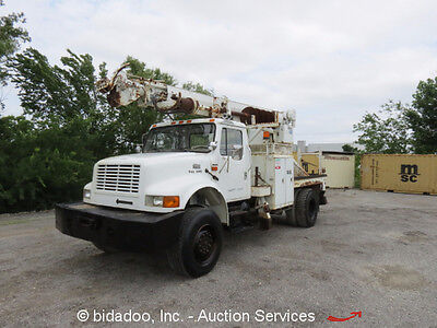 2001 International 4800 4x4 Digger Derrick Pole Truck DT466E A/T 4WD Auger