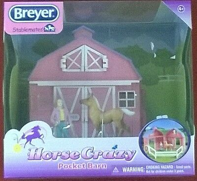 BREYER Stablemates 5370 Horse Crazy Pocket Barn NEW