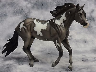 Breyer * Platinum Star * 711184 Breyerfest Latigo SR Traditional Model Horse