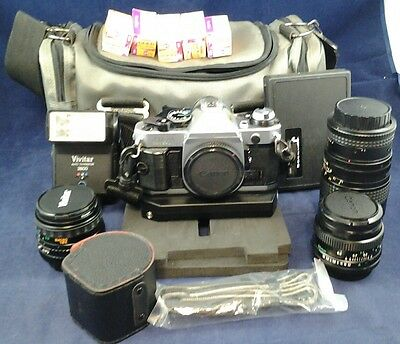 Canon AE-1 Program/Manual SLR 35mm FILM CAMERA BUNDLE w/Lens/Flash/Case