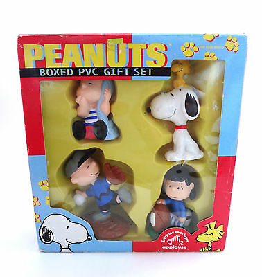 Charlie Brown Box PVC Gift Set Snoopy & Woodstock Peanuts Figures Lucy Linus
