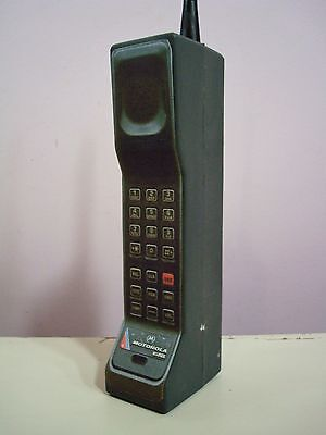 1980's Style Vintage Brick Cell /Mobile Phone Prop/Toy. Motorola DynaTAC 8500x.
