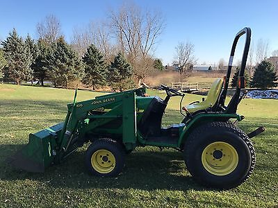 John Deere 4100 Compact Tractor w/JD 410 Loader  4X4 - RESIDENTIAL USE
