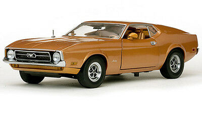 1971 Ford Mustang Sports Roof Diecast Model by Sunstar in 1:18 Scale