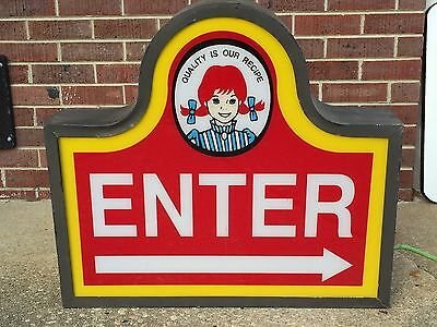 Wendy's Fast Food Enter Sign Lights Up With Cord