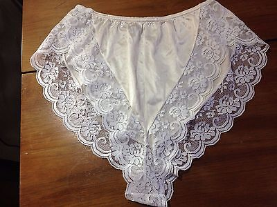 Vintage 70s Chantilly Maidenform Ivory White Lace Panties Size 6  USA High Cut