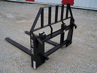 New Dirt Dog Mfg. Pallet Forks with Euro Style Quick Attach.. Can ship cheap!