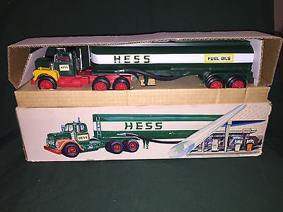 1972 Hess Tanker Truck, MIB. All lights work, rare,vintage,collectible,Marx Toys