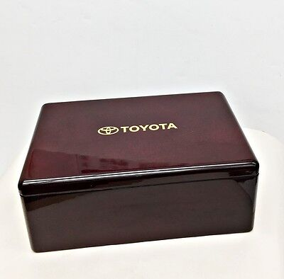TOYOTA Burgundy Lacquer or Glossy Plastic Desk Box 3 Section For Post-Its Pen +