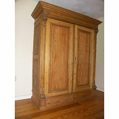 Antique portable Wardrobe Germany 1884