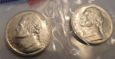 1992 P & D Jefferson Nickel Set (2 Coins) *mint Cello*  **free Shipping**