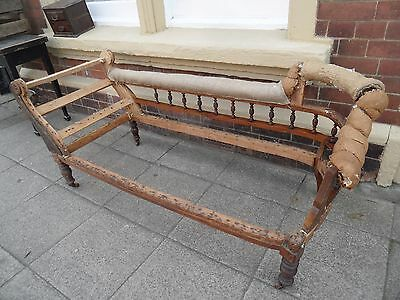 Antique Victorian WALNUT Spindle Back CHAISE LONGUE Settee Sofa Day Bed Frame
