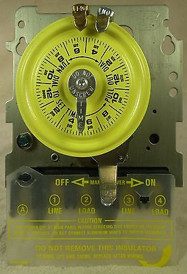 Intermatic T103 Timer 120V 24 Hour Dial Time Switch 40A DPST Contacts. Metal Box