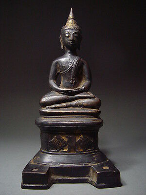 ANTIQUE BRONZE BURMESE AVA PERIOD ENTHRONED BUDDHA. MYANMAR 17th C.
