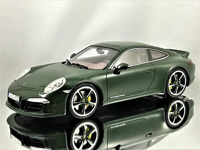GT Spirit Porsche 911 (991) Carrera S Club Coupe Brewster Green Resin Model 1:18