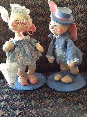 ANNALEE '88 Mr. & Mrs. EASTER Blue BUNNY DUO Mobilitee (1984 / 1987) 12 IN. TALL