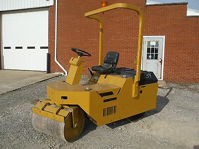 Beuthling B300 Ride On 2-1/4 Ton Vibratory Compactor Roller W/ Kubota Engine!