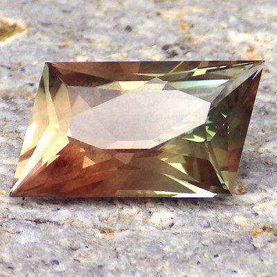 GREEN DICHROIC SCHILLER OREGON SUNSTONE 4.10Ct FLAWLESS-FOR BEAUTIFUL JEWELRY!