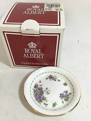 VINTAGE 1970 ROYAL ALBERT ENGLAND VIOLETS BUTTER PAT DISH PLATE New Old Stock