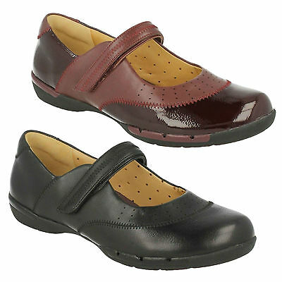 ab470ca7 LADIES CLARKS UNSTRUCTURED Riptape Fastening Flat Leather Shoes - Un ...