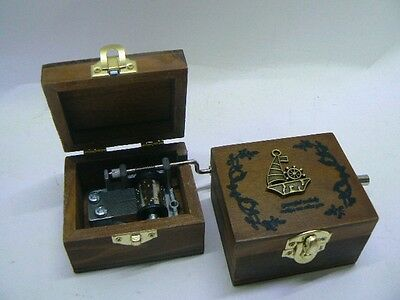 MUSIC BOX scatola magica CARILLON in legno decorato immagine assortite in bronzo