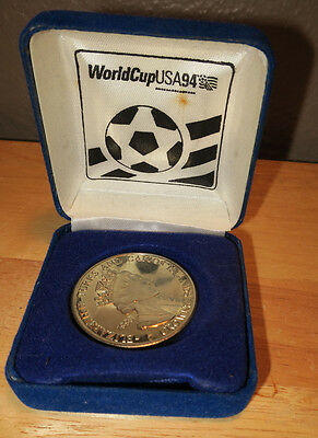 1994 World Cup Commemorative Coin Turks & Caicos Queen Elizabeth & United States