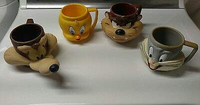 Looney Tunes 3-D cups Bugs bunny, Tweety bird, Taz and Wile E Coyote 1992