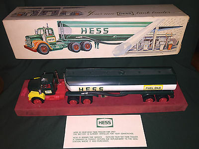 1967 Hess Tanker Truck, with red velvet base,lid & card,rare,vintage,collectible