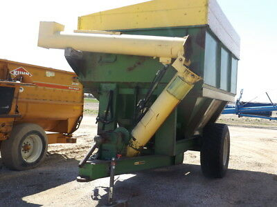 John Deere 1210 Grain Carts