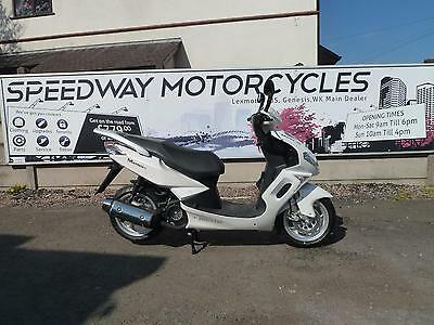 sinnis matrix 125cc scooter moped learner legal